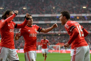 Benfica's Spanish forward Rodrigo Machado (R) celebrates after scoring the opening goal during the Portuguese football match SL Benfica vs FC Porto at Luz stadium in Lisbon on January 12, 2014. AFP PHOTO / FRANCISCO LEONG