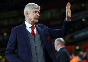 É oficial: Wenger abandona o comando do Arsenal no final da época.